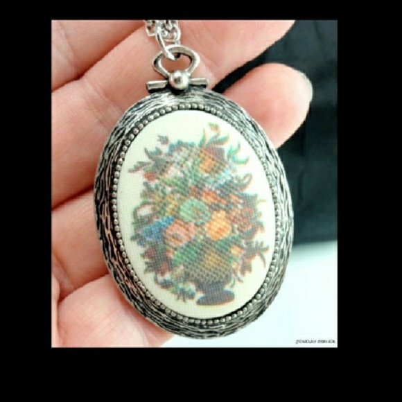 Sarah coventry jewelry reduced vintage tapestry necklace poshmark reduced vintage tapestry sarah coventry necklace aloadofball Choice Image